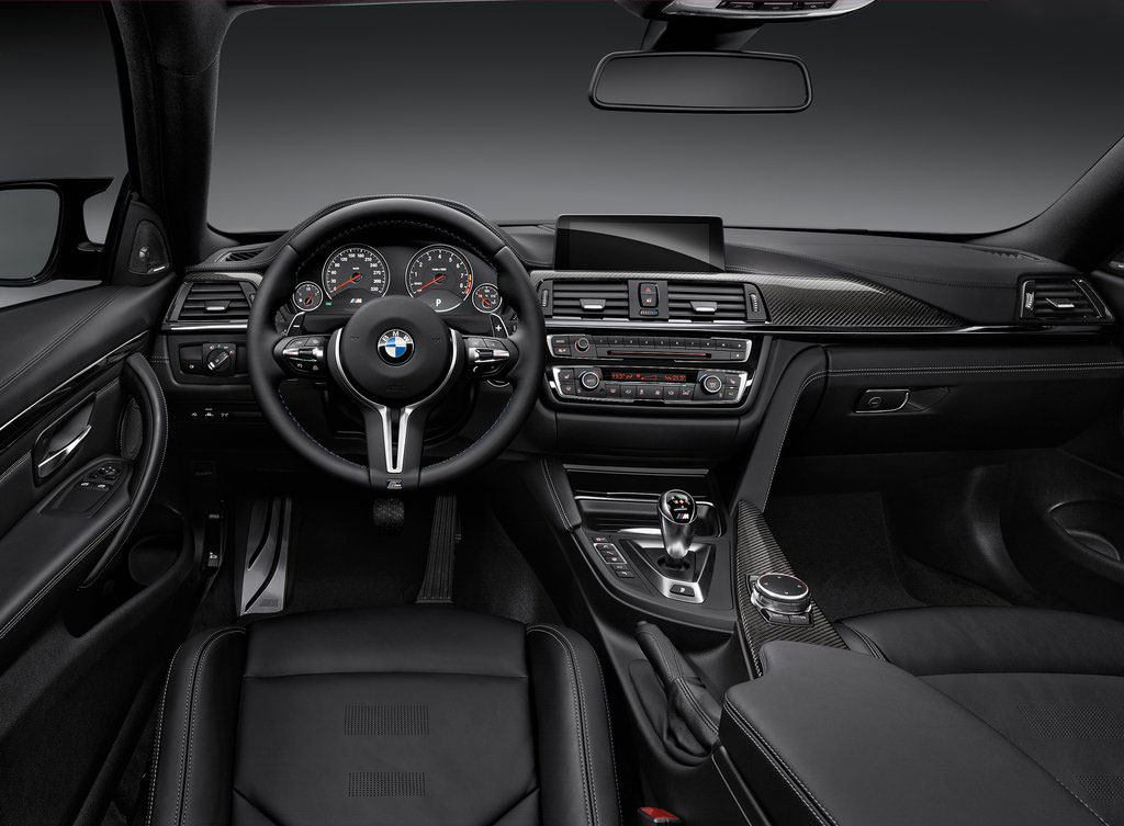 BMW-M4_Coupe_int