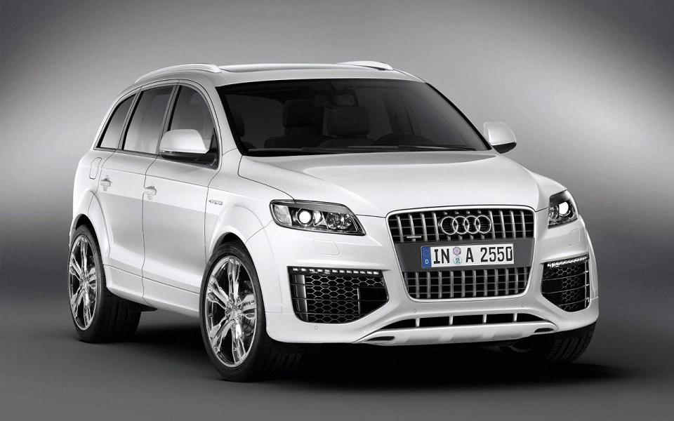 Automaniac In Audi India Introduces Q7 Suv With V6 3 0 Tfsi Engine