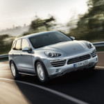 "Porsche Cayenne wins ""Golden Steering Wheel 2010"""