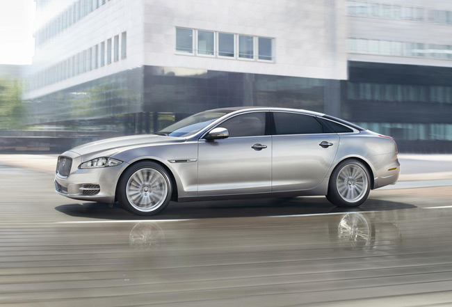 Jaguar-XJ-Luxury-Saloon