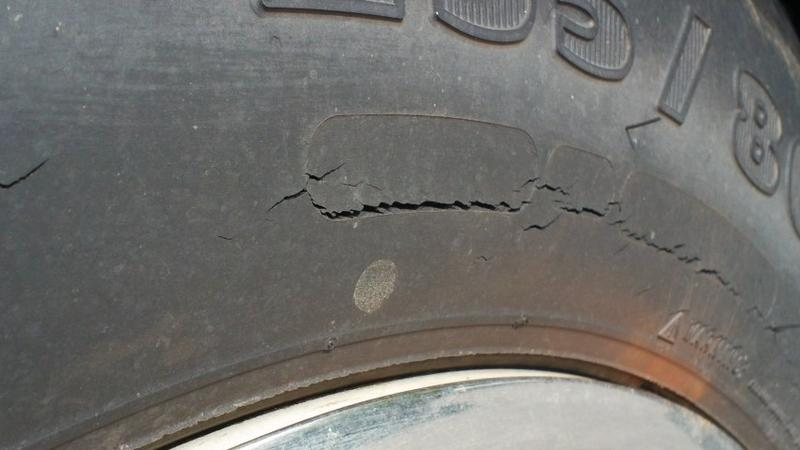 Sidewall cracks