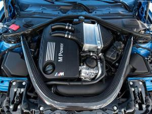 BMW-M3_Sedan_engine